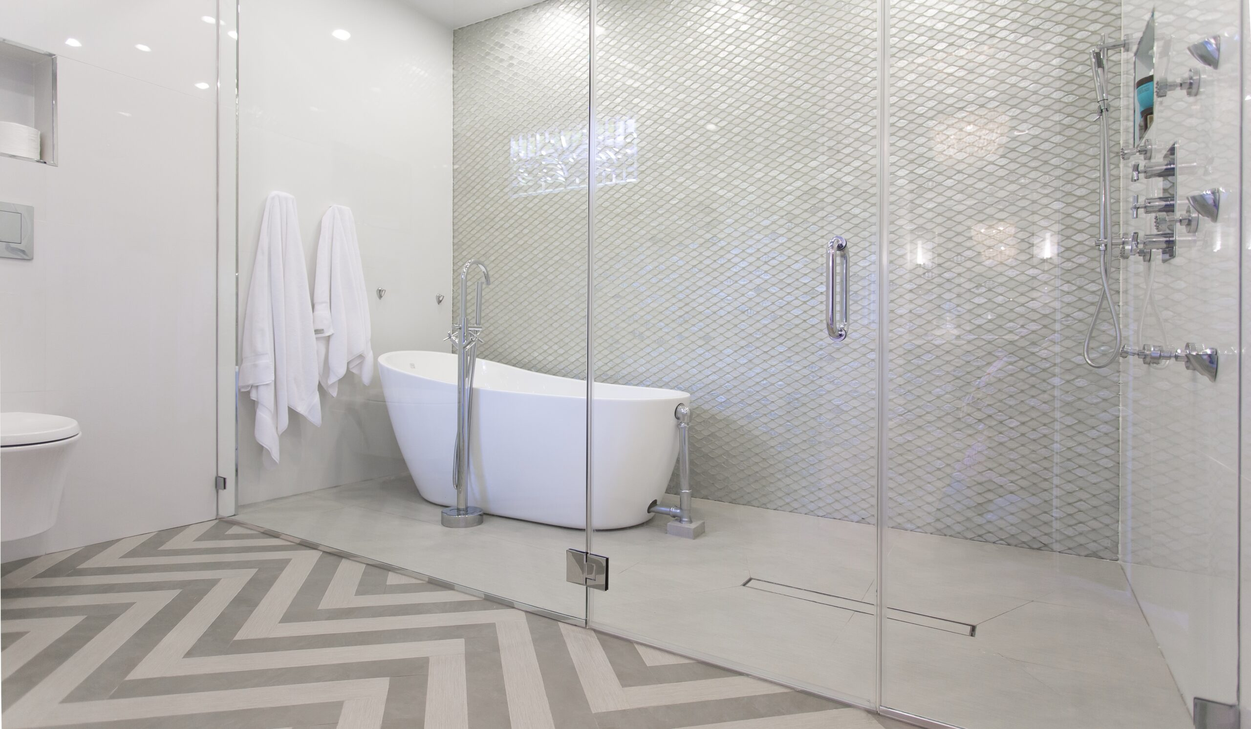 100 houston interior designers by design interiors inc for Bathroom s bandcamp