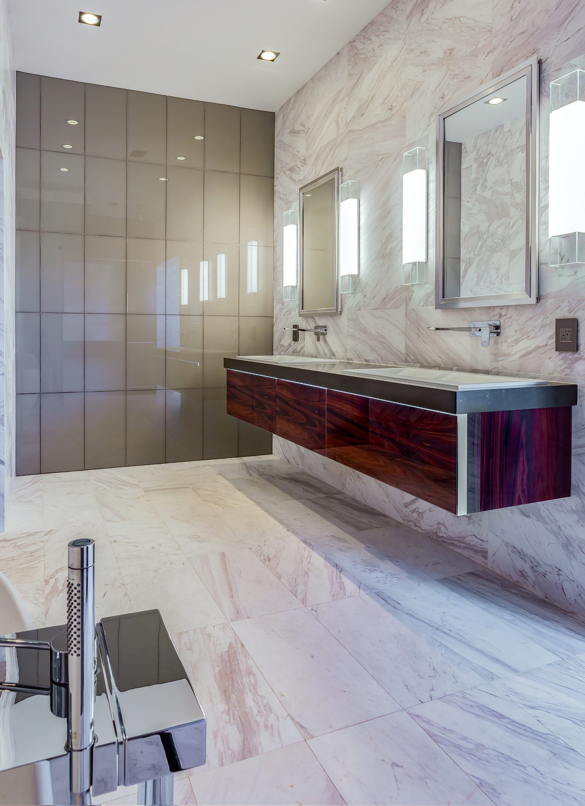 Luxurious Ultra-Modern Master Bath | Kemah, TX | 2016