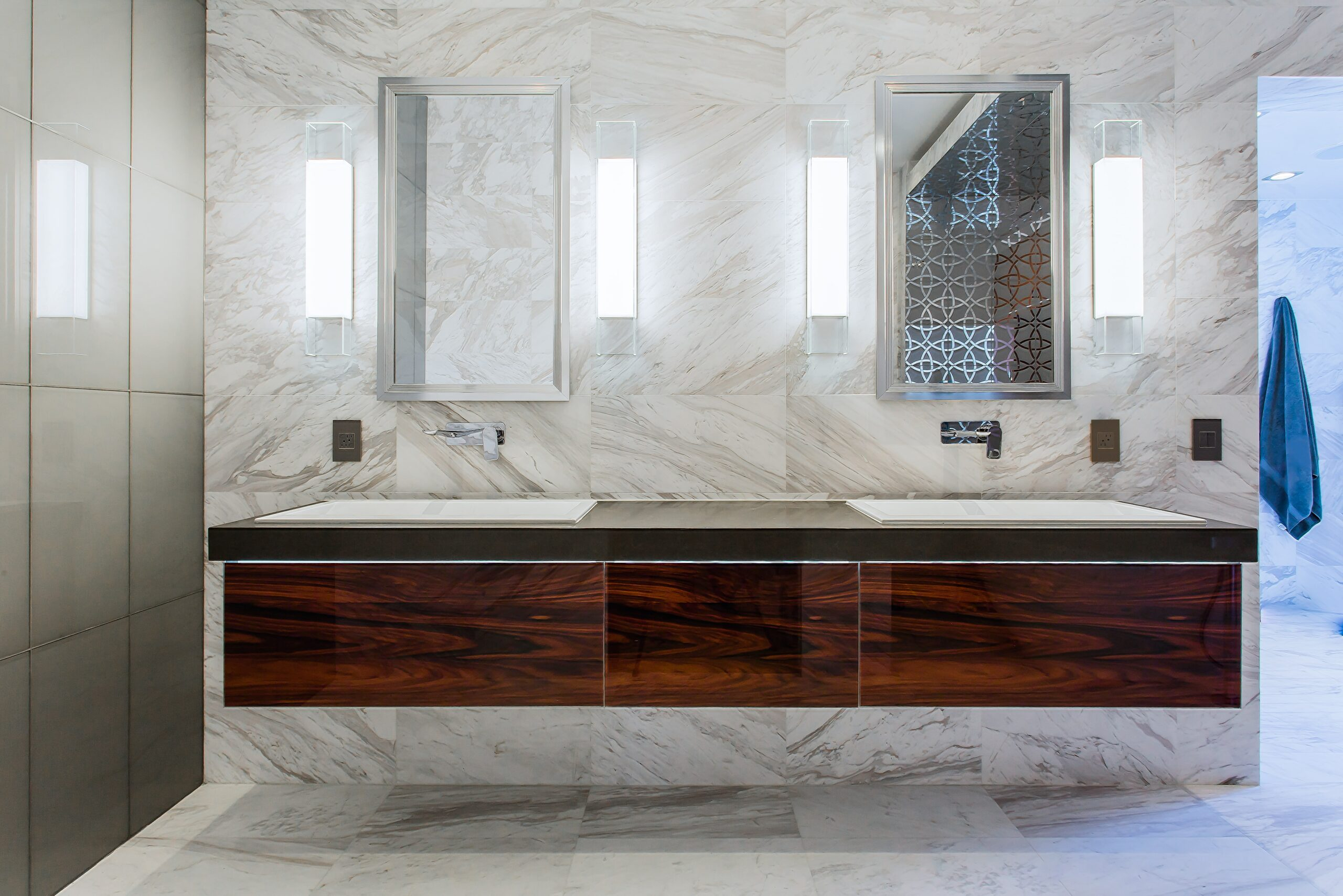 Luxurious Ultra Modern Master Bath | Kemah, TX | 2016